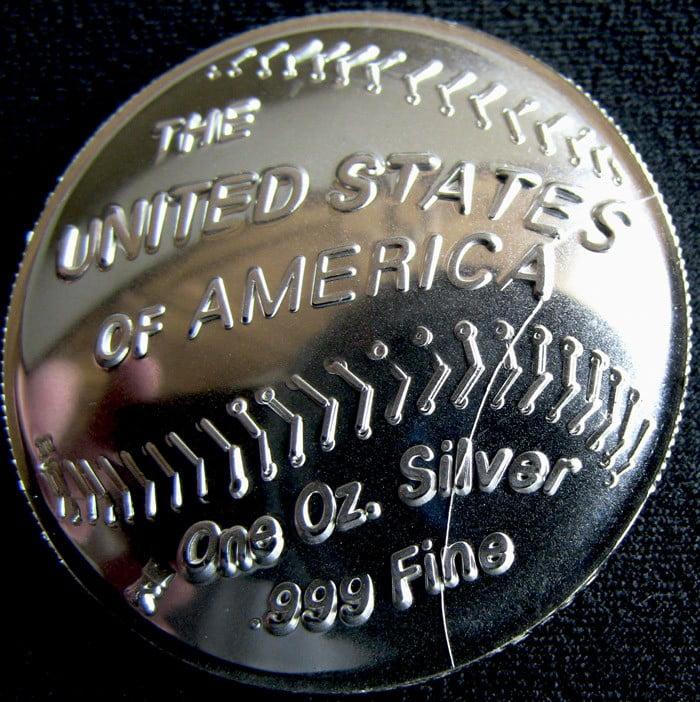 Die Cracked Baseball Coin Replica - Baseball Hall of Fame 1 oz. Silver Dollar Replica